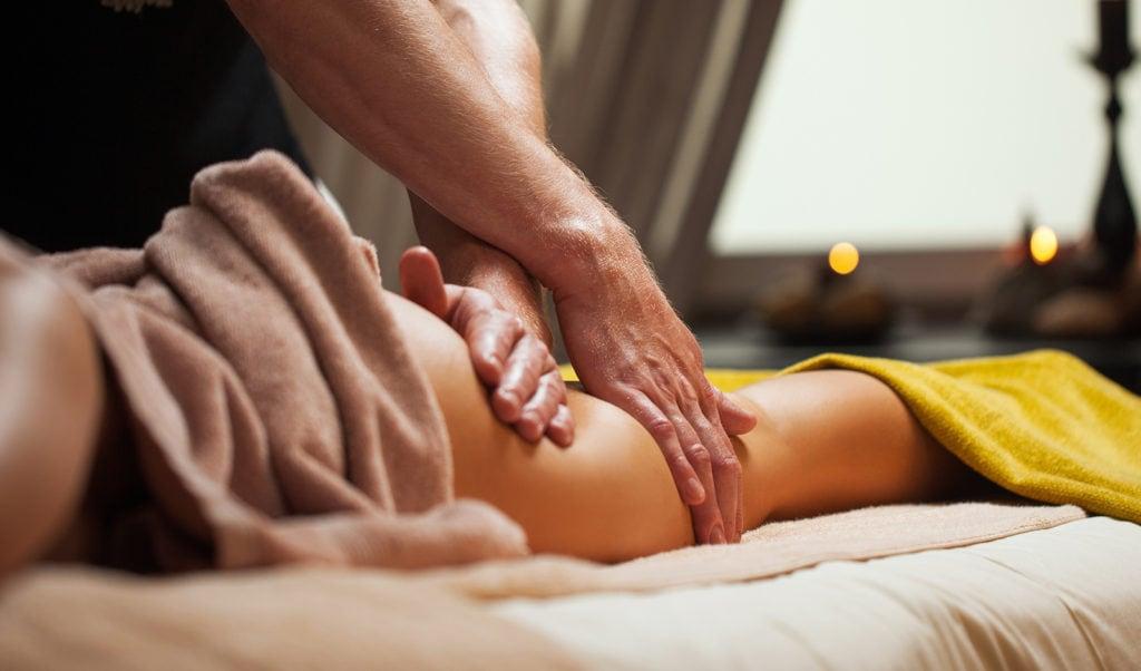 Demonstration of Swedish massage course