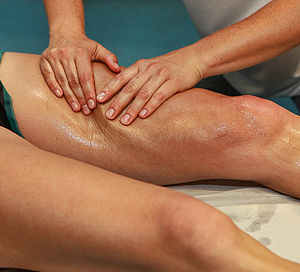 demostration during a Manual lymphatic drainage massage course